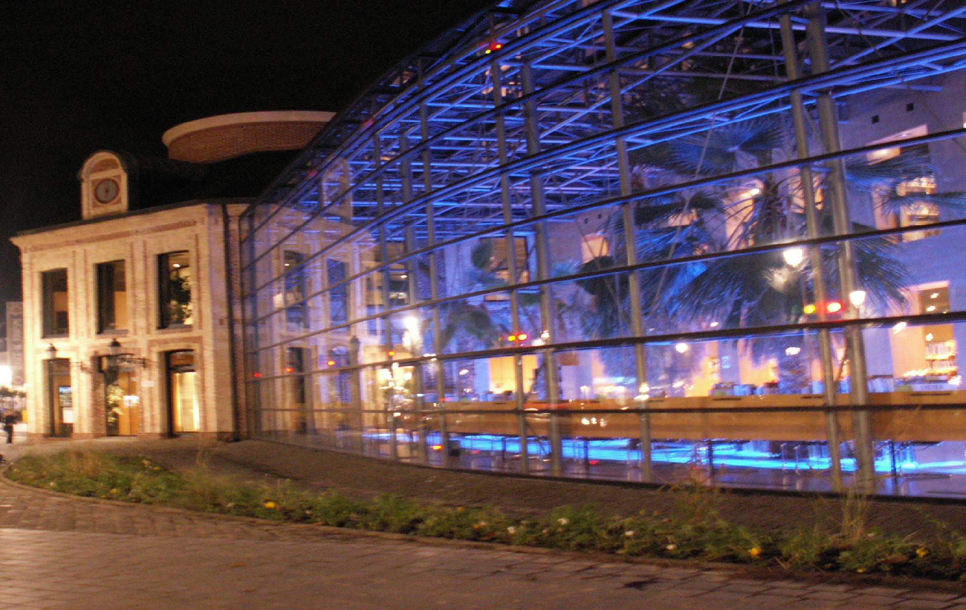 Le M Htel hotel  Honfleur avec piscine spa et parking