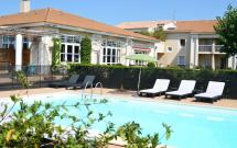Hotel With Swimming Pool In Arles - Le Mas Des Ponts 'arles