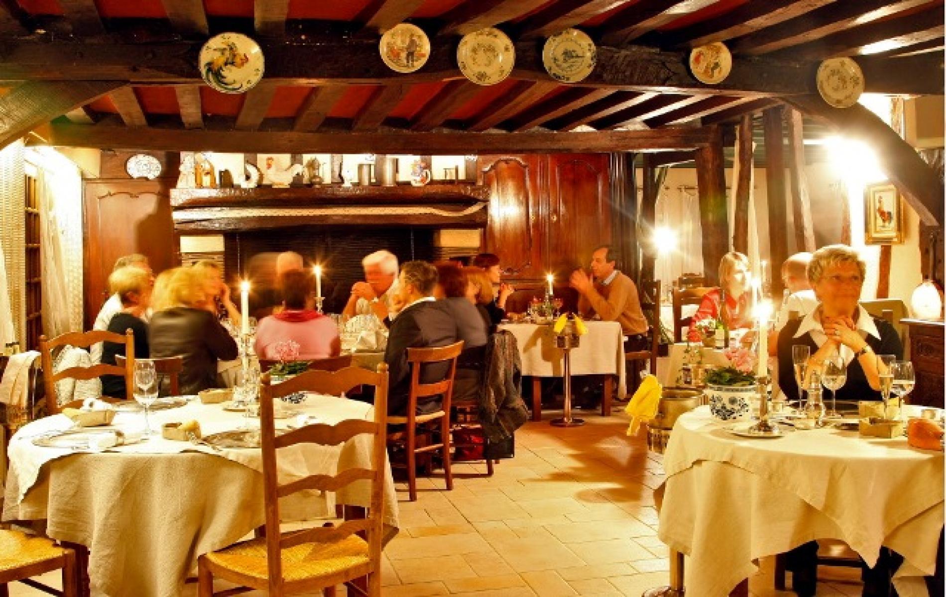 Htel restaurant PontAudemer Le Petit Coq aux Champs proche Deauville et Honfleur