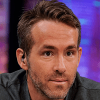 Ryan Reynolds funny tweets breaks record for staring contest Sammiches and Psych Meds