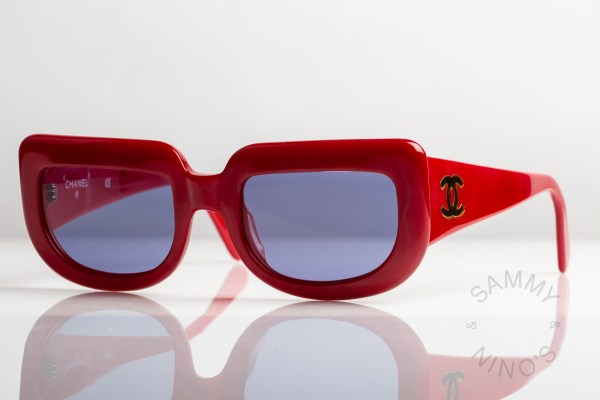 chanel-sunglasses-vintage-05979-90s-red-1