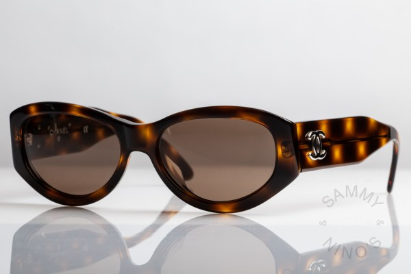 chanel-sunglasses-vintage-06916-90s-1