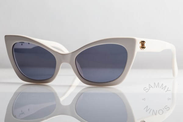 white-chanel-sunglasses-vintage-01943-90s-cateye-1