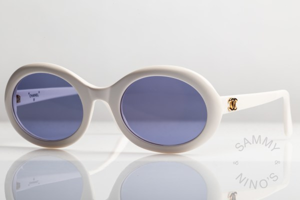 white-chanel-sunglasses-vintage-0016-90s-2