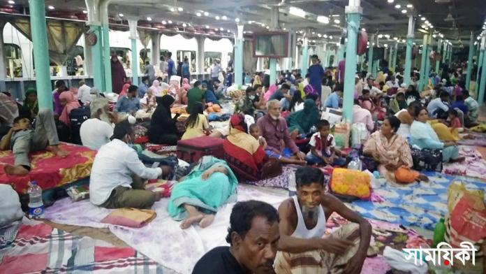 laaa চলছে গণপরিবহন: যাত্রী'রা মানছেন না বিধিনিষেধ