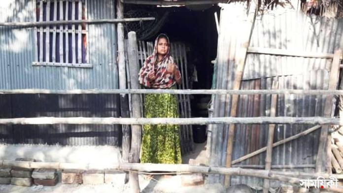 3 18 নাটোরের নলডাঙ্গায় 'রিনা বিবি' অবরুদ্ধ