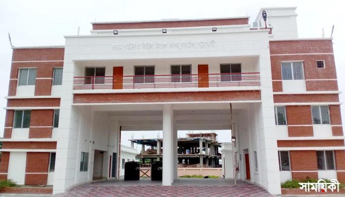3 9 পটুয়াখালীর গলাচিপায় ফায়ার সার্ভিস স্টেশনের কাজ শেষ হলেও উদ্বোধনের খবর নেই