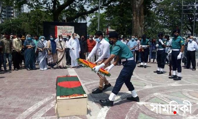 police pic final মুক্তিযোদ্ধাদের গার্ড অব অনারে নারী কর্মকর্তায় আপত্তি: বিকল্প ব্যক্তি নির্ধারণে সুপারিশ সংসদীয় কমিটির