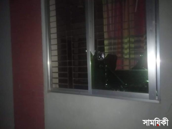 received 268201808431698 শাহজাদপুরে বাড়িঘরে হামলা ভাঙচুর লুটপাটের অভিযোগ