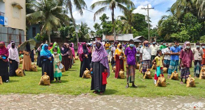 IMG 20210712 WA0003 2 রামপালে শেখ তন্ময়ের পক্ষ থেকে দুই শতাধিক হতদরিদ্র পরিবারের মাঝে ত্রাণ সামগ্রী বিতরণ