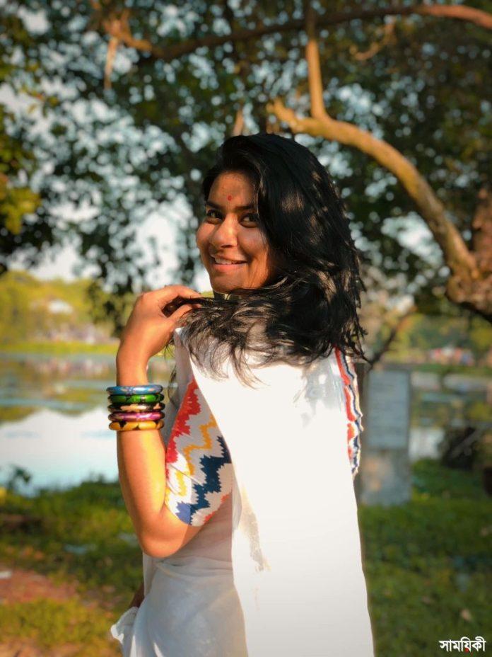 Parisa 3 কলকাতার রূপঙ্করের সঙ্গে গাইলেন বাংলাদেশের পারিসা