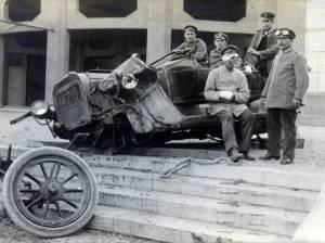 Injured driver & badly damaged vehicle from Kraftwagen Depot München, June 1915