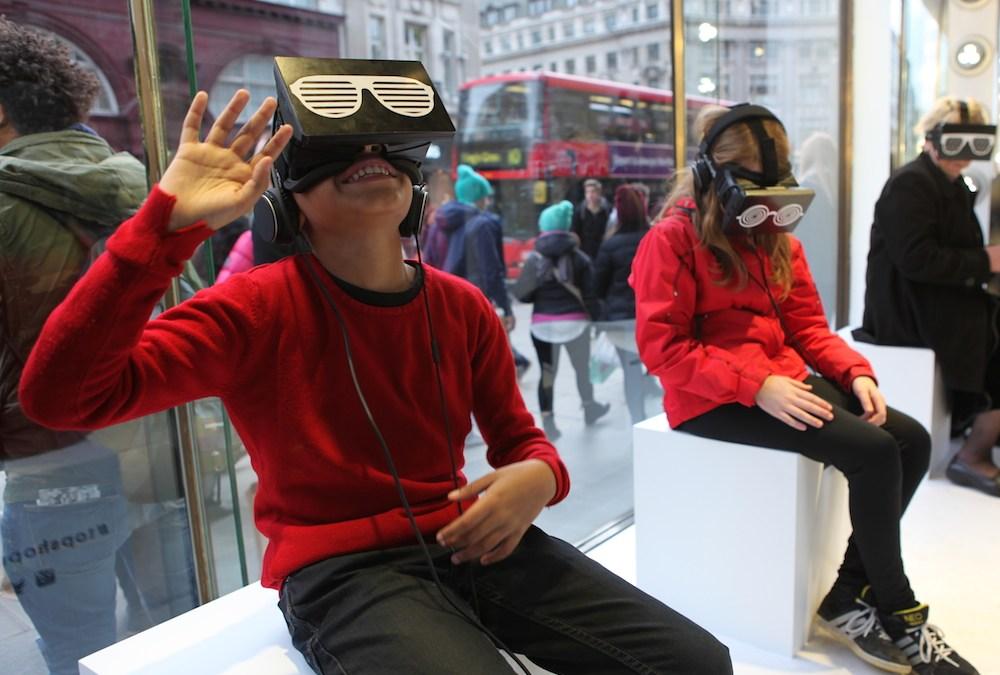 Facebook rachète Oculus pour 2 milliards de dollars: ceux qui ont essayé comprennent pourquoi