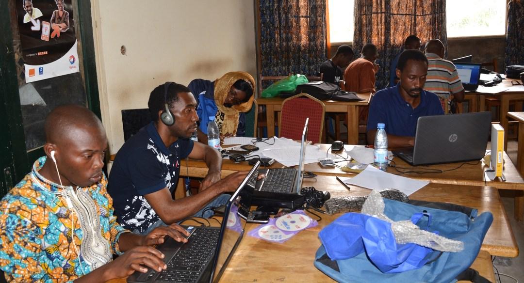 Hackathon-Yaounde-ESSTIC-novembre-2015-photo-Edouard-TAMBA_0489