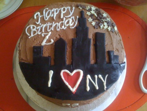 New York themed chocolate cake