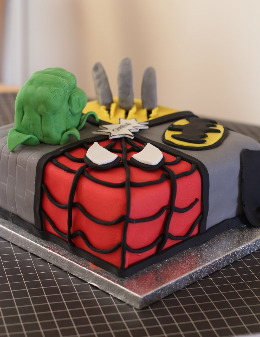 marvel-cake-spiderman
