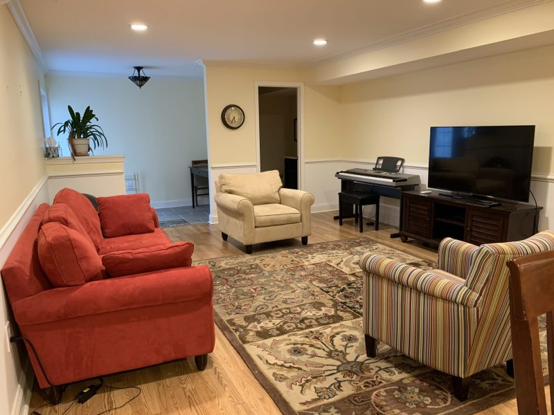 Fully Furnished Modern  2 BR/1.5 BA Apartment in Rockville. $1800-all utilities included with Internet and Cable TV