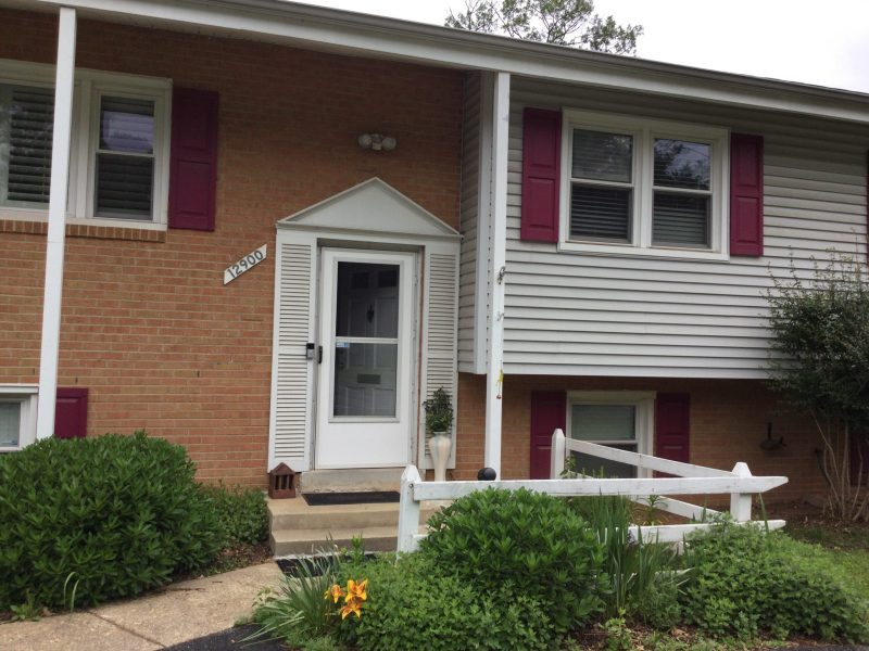 Fully furnished room in Rockville single family house