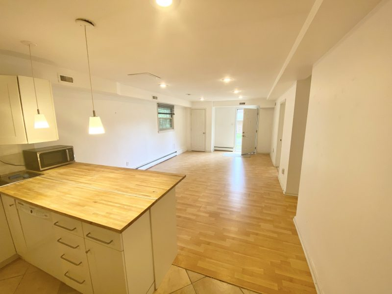 Large Modern 2-Bedroom Apartment in Bethesda