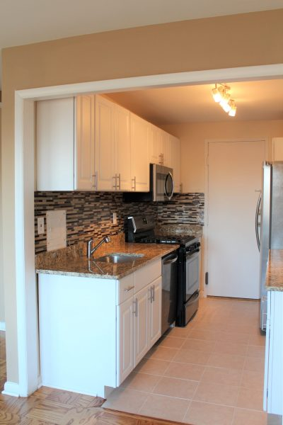 1 Bedroom condo TOTALLY RENOVATED  on metro stop from NIH $1750/ mth & includes all utilities  10201 Grosvenor Pl #1206 Rockville MD  20852