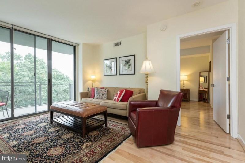 2bdrm Cleveland Park Apartment