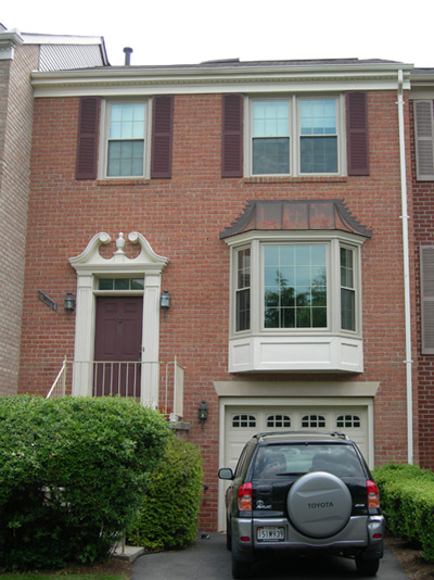 Share a Spacious Luxury Townhouse in North Bethesda!