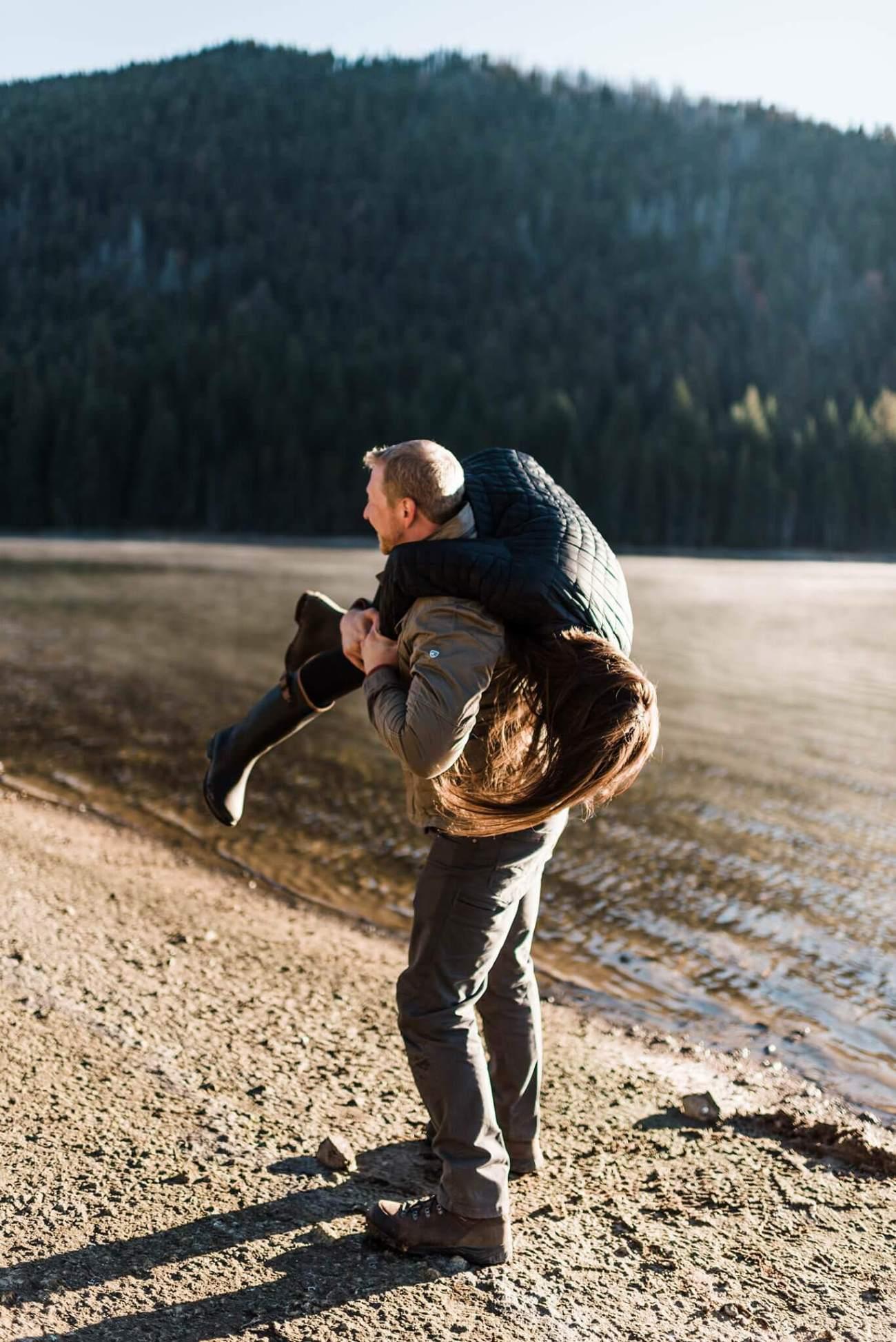 Canoe-Lake-Adventure-Engagement-Session-Oregon-Lemolo-S-Photography_0005.jpg