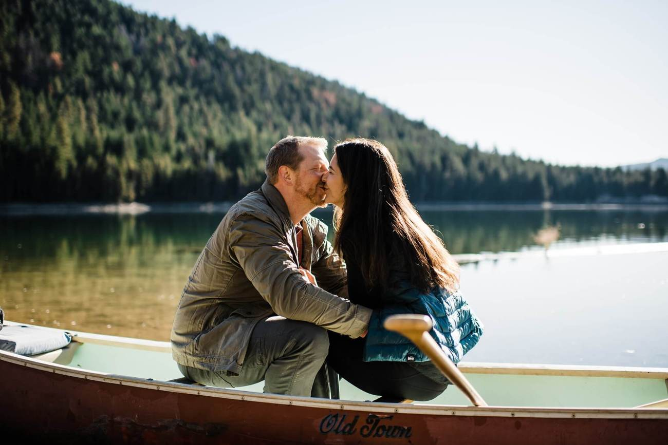 Canoe-Lake-Adventure-Engagement-Session-Oregon-Lemolo-S-Photography_0021.jpg