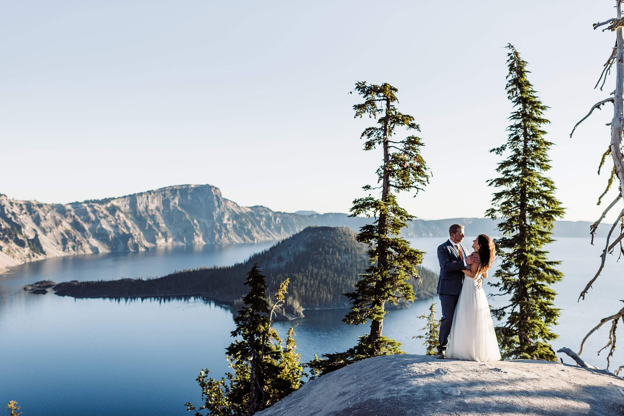 Crater-Lake-Sunrise-Elopement-S-Photography