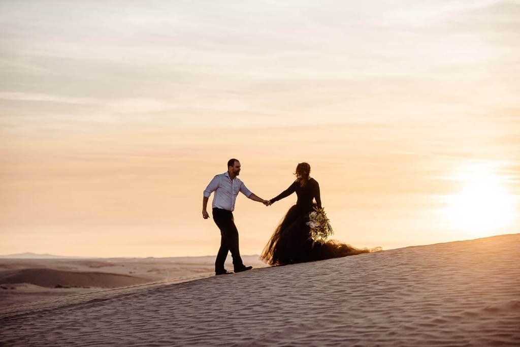 Christmas Valley Sand Dunes, Adventure Elopement Photography, Oregon, Pacific Northwest, Desert elopement, black wedding dress