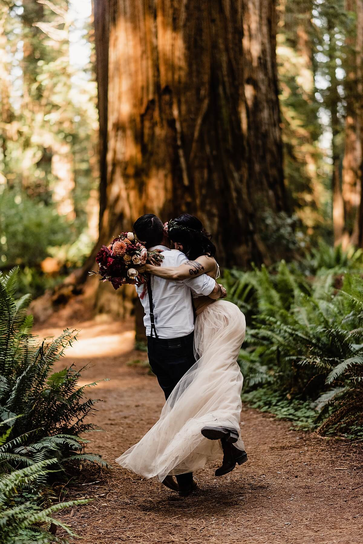 Allison-Brooks-Jedediah-Smiith-Redwoods-Adventure-Elopement-Wedding-S-Photography-Blog_0034.jpg