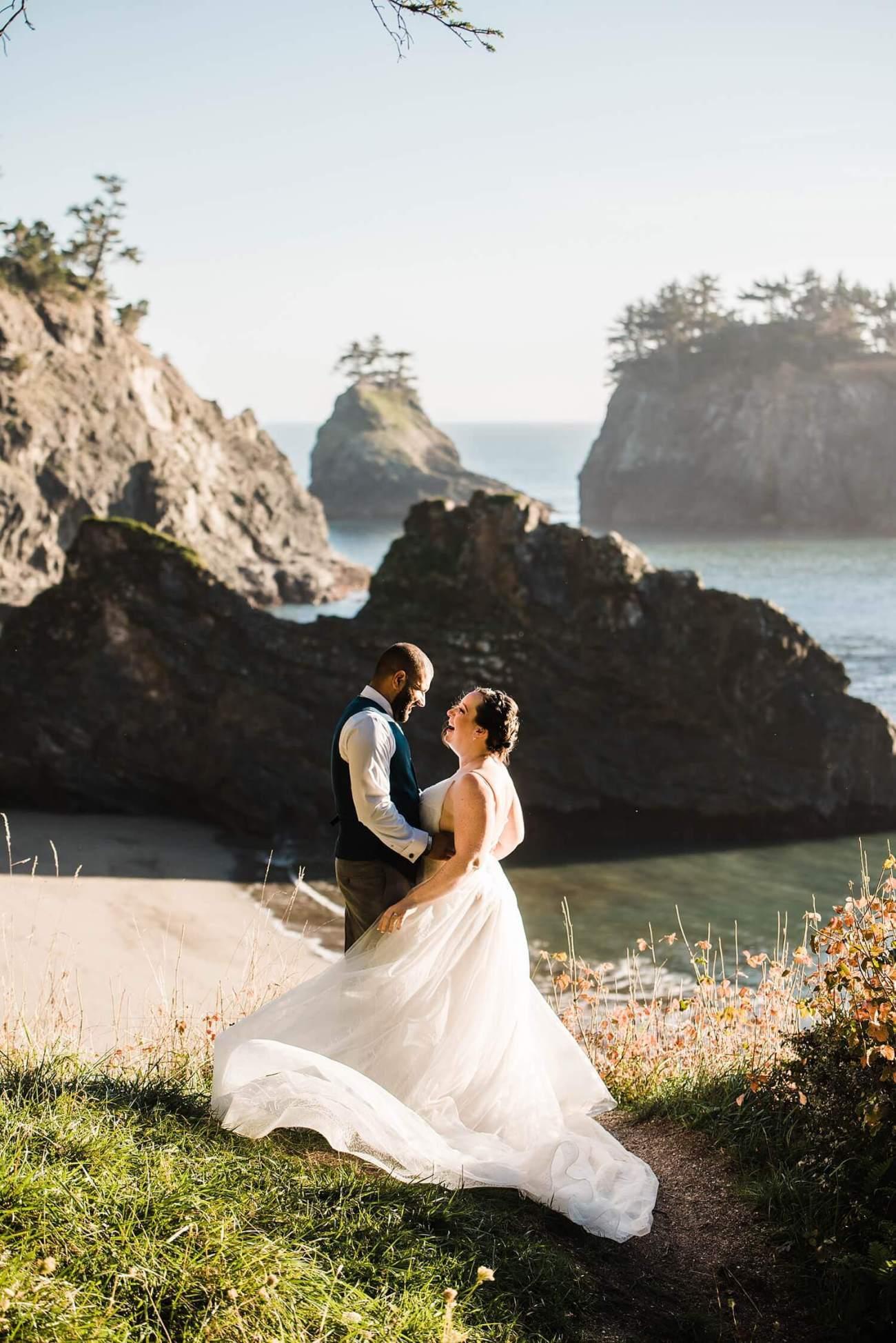 Oregon Coast,adventure elopement photographer,beach elopement,beach wedding,elopement,elopement photographer,intimate wedding,oregon coast elopement,oregon wedding,pacific northwest wedding,sam starns,