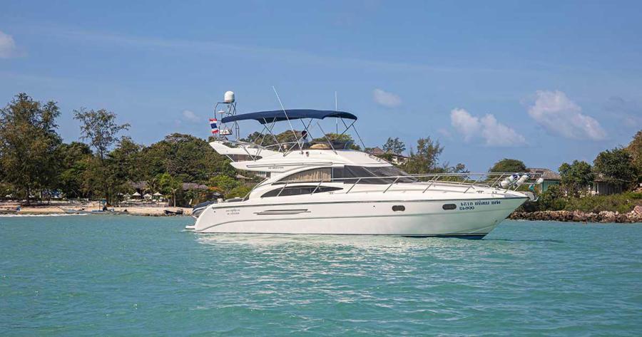 Princess 42 Flybridge Yacht
