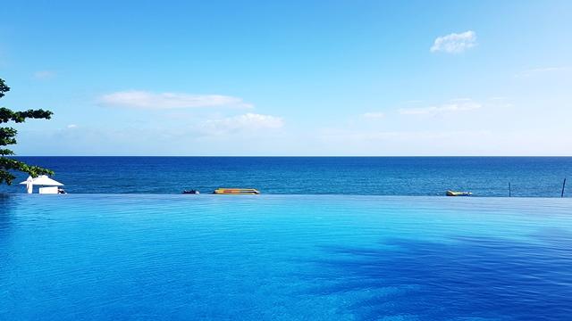 ASUS Zenfone 4 Selfie Acuatico Beach Resort Batangas