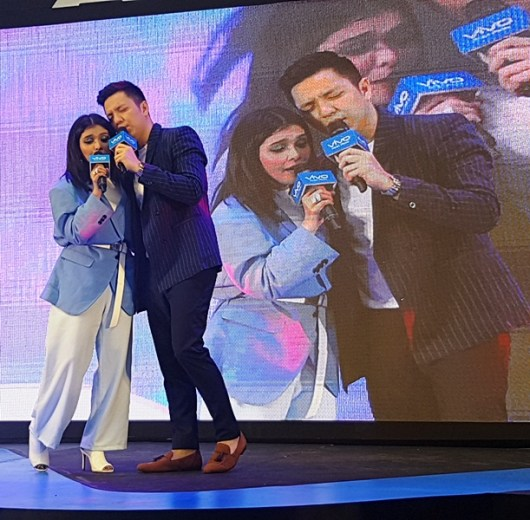 Vivo V9 Mall Tour with KZ Tandingan and TJ Monterde
