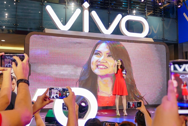 VIVO V9 Velvet Red with Barbie Forteza