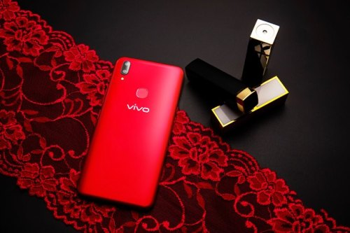 Summer Must-Haves VIVO V9 Red Velvet