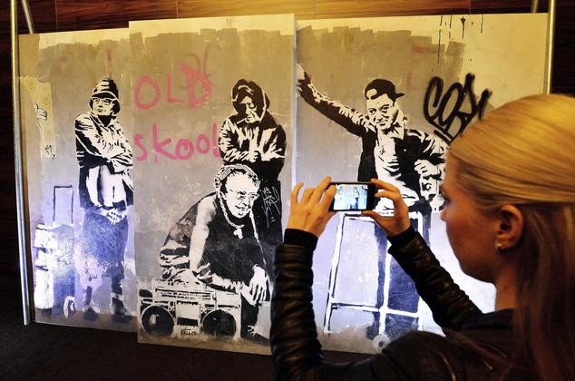 Banksy, dünyaca ünlü olmasına rağmen bugüne kadar hala ismi bilinmeyen meçhul bir grafiti sanatçısıdır.