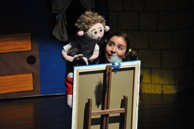 Özgüven, yetenek ve dostluk temalı Bir Çocuk Masalı Turunç'un Bahçesi çocuklar için hazırlanmış bir kukla tiyatrosudur.