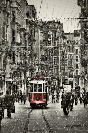 Beyoğlu'nun nostaljik tramvayı
