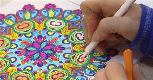 Mandalada renk seçimleri, kişinin kendisini bir ifade ediş şeklidir.
