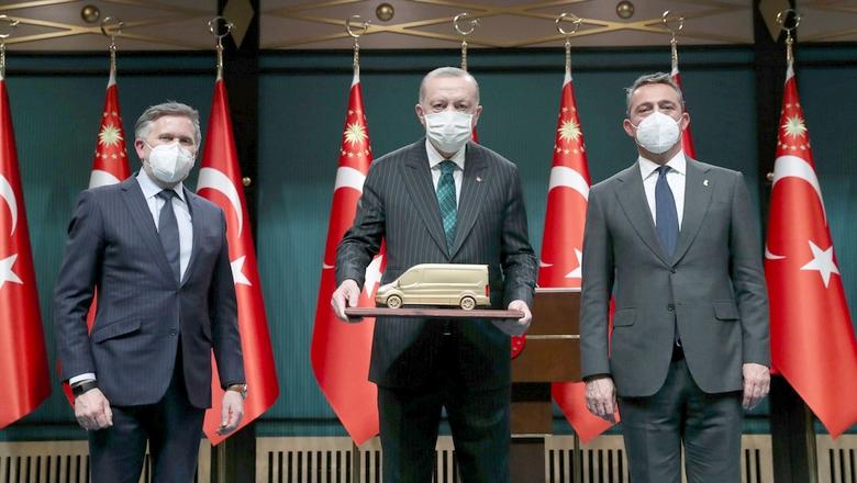 Türkiye'nin en büyük otomotiv yatırımı yine Ford Otosan'dan