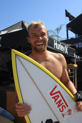 Tanner Gudauskas of San Clemente was all smiles after his Hurley Pro at Trestles Round 1 win on Sept. 11, over Kelly Slater (Florida) and Australian Matt Wilkinson. Photo: Andrea Swayne