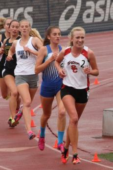 San Clemente's Kelsey Carroll, right, placed third in the 1600 and 3200-meter runs at the OC Championships on April 25. Photo: John Carroll