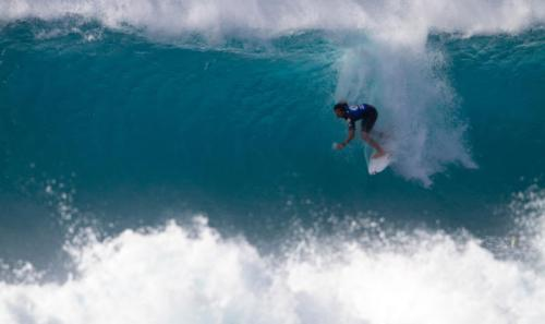 Griffin Colapinto takes on a wave during the Volcom Pipe Pro. Photo: World Surf League/Tony Heff