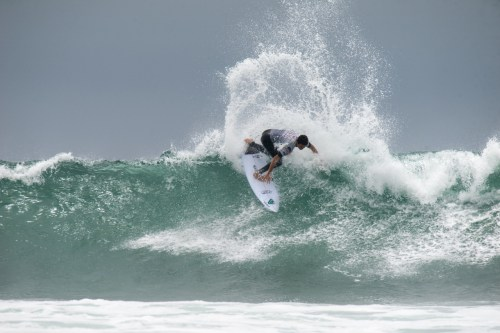 Crosby Colapinto. Photo: Courtesy of USA Surfing/Sean Evans/Water Work Media