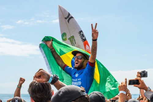 Filipe Toledo is chaired to the beach after winning the 2017 Hurley Pro at Lowers at San Onofre State Beach. The WSL decided not to schedule any of its events for the San Clemente shores for the 2018 season. Photo: Courtesy of Noah McPherson.