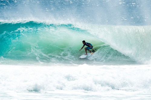 Griffin Colapinto (USA) advanced to the Semifinals of the Quiksilver Pro Gold Coast after winning Quarterfinal 1 at Kirra, Gold Coast, QLD, Australia. Colapinto scored a perfect ten point ride in the heat, the first in his rookie year on the Championship Tour. Photo: Courtesy of WSL