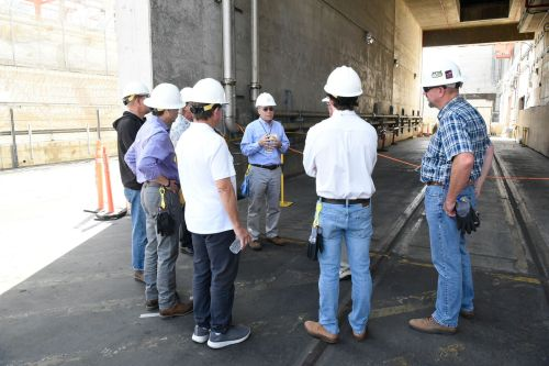 Southern California Edison engineers give a tour of San Onofre Nuclear Generating Station in June. Photo: Courters of Southern California Edison