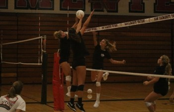 San Clemente girls volleyball has a new coach and a new league as the Tritons look to bounce back into strong form. Photo: Zach Cavanagh